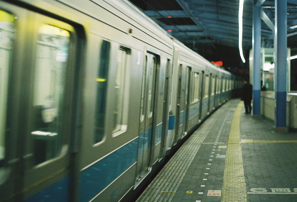 電車 対角線構図