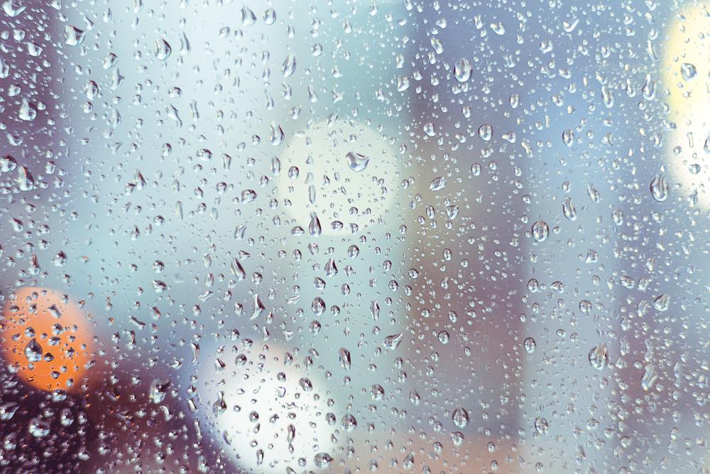 窓ガラスの水滴3