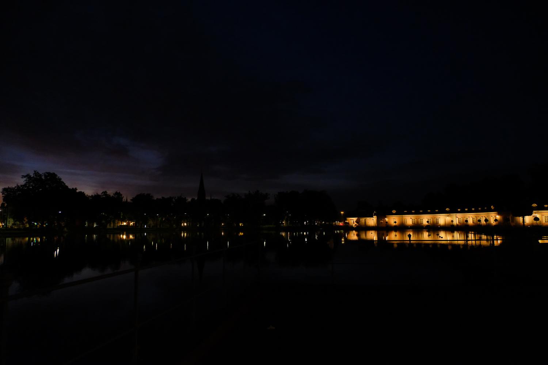 ドイツ デュッセルドルフ ベンラート城周辺のライトアップ