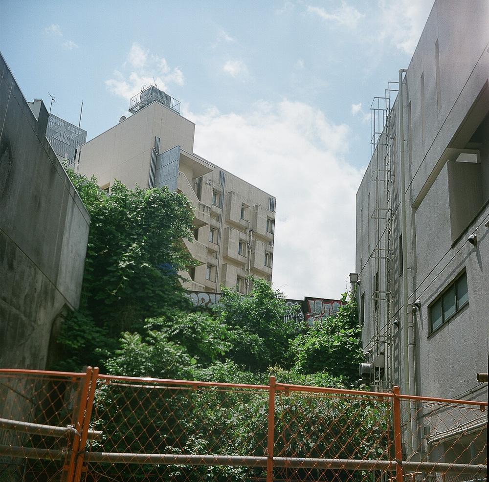 LOMO LUBITEL 166B 渋谷 空き地 空