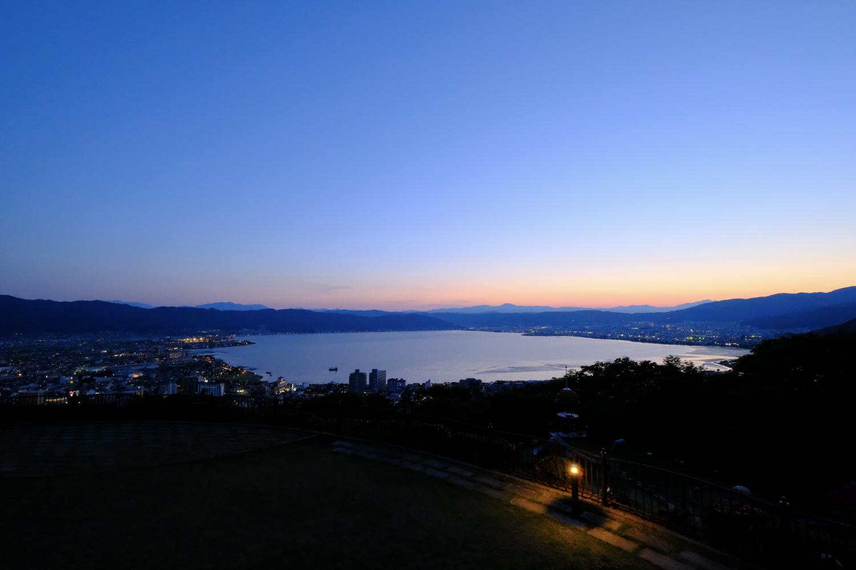 諏訪湖 (X-T2+XF10-24mmF4 R OIS、ISO3200、1/100秒、F7.1 Photoshop Lightroomで現像)