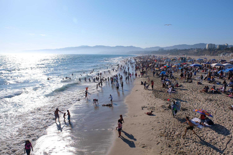 サンタモニカ 浜辺 (X-Pro2+XF16-55mmF2.8 R LM WR、ISO200、1/640秒、F8.0 Photoshop Lightroomで現像)