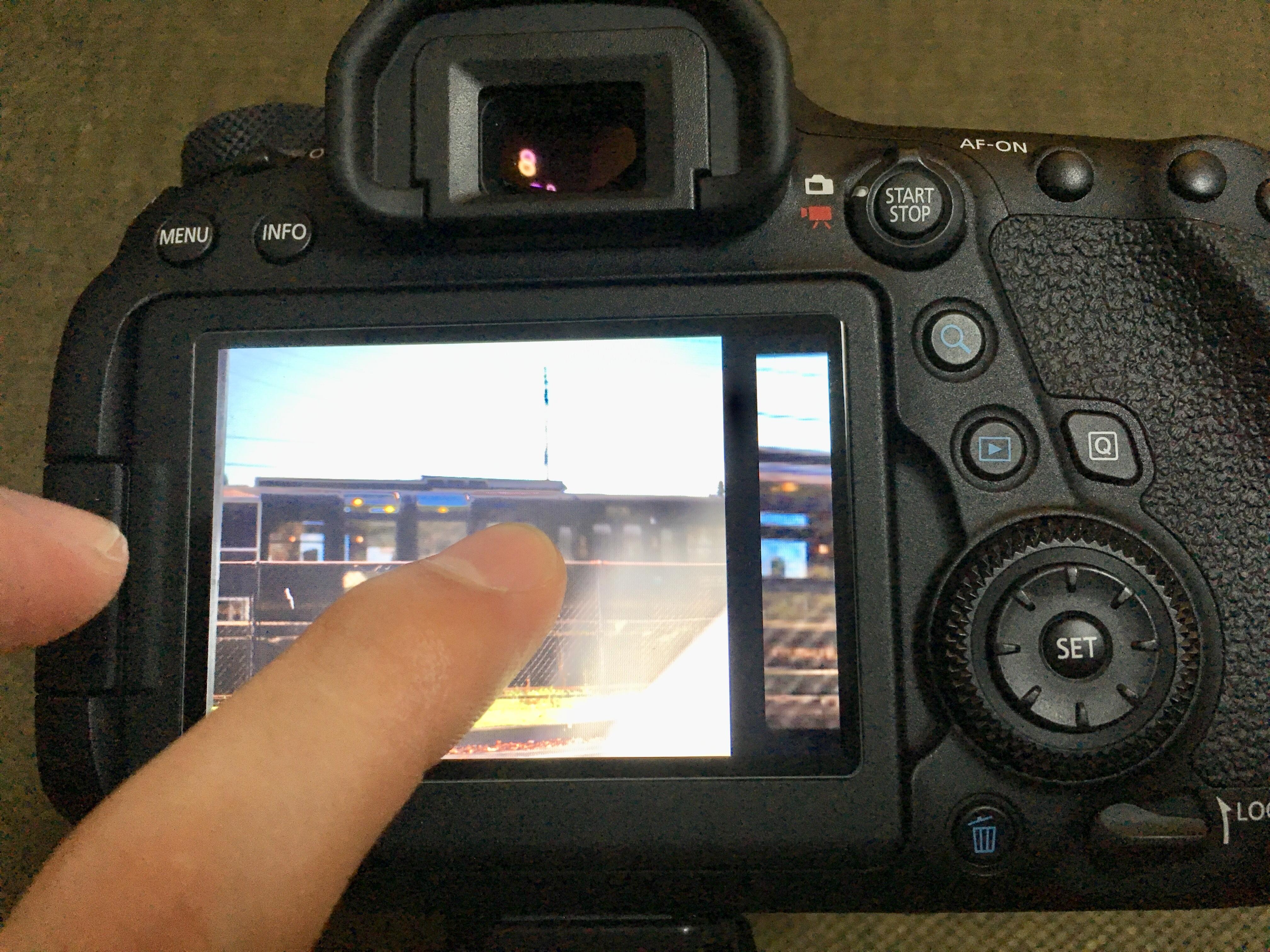 Canon EOS 6D MarkⅡ バリアングル タッチパネル