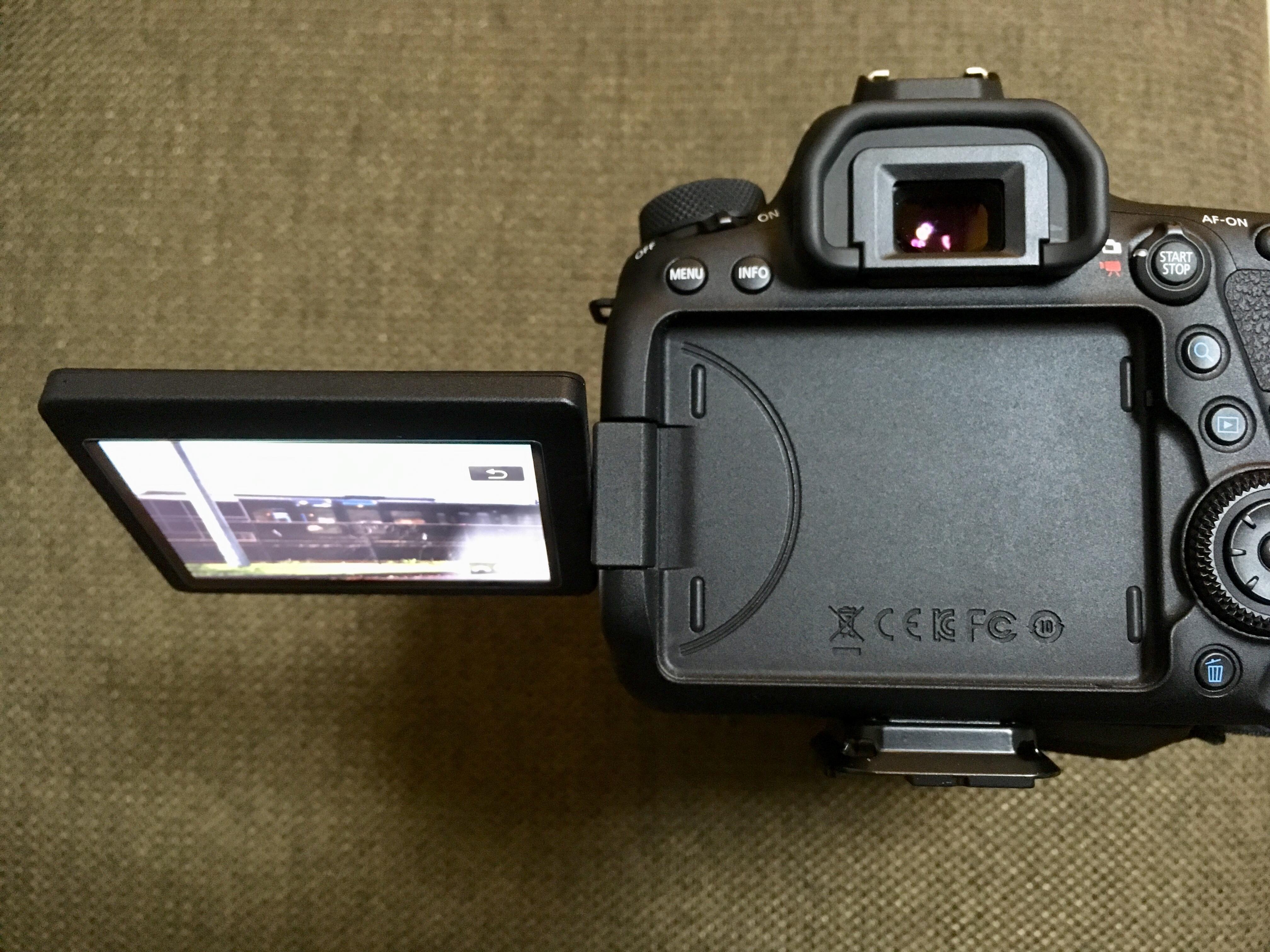 Canon EOS 6D MarkⅡ バリアングル