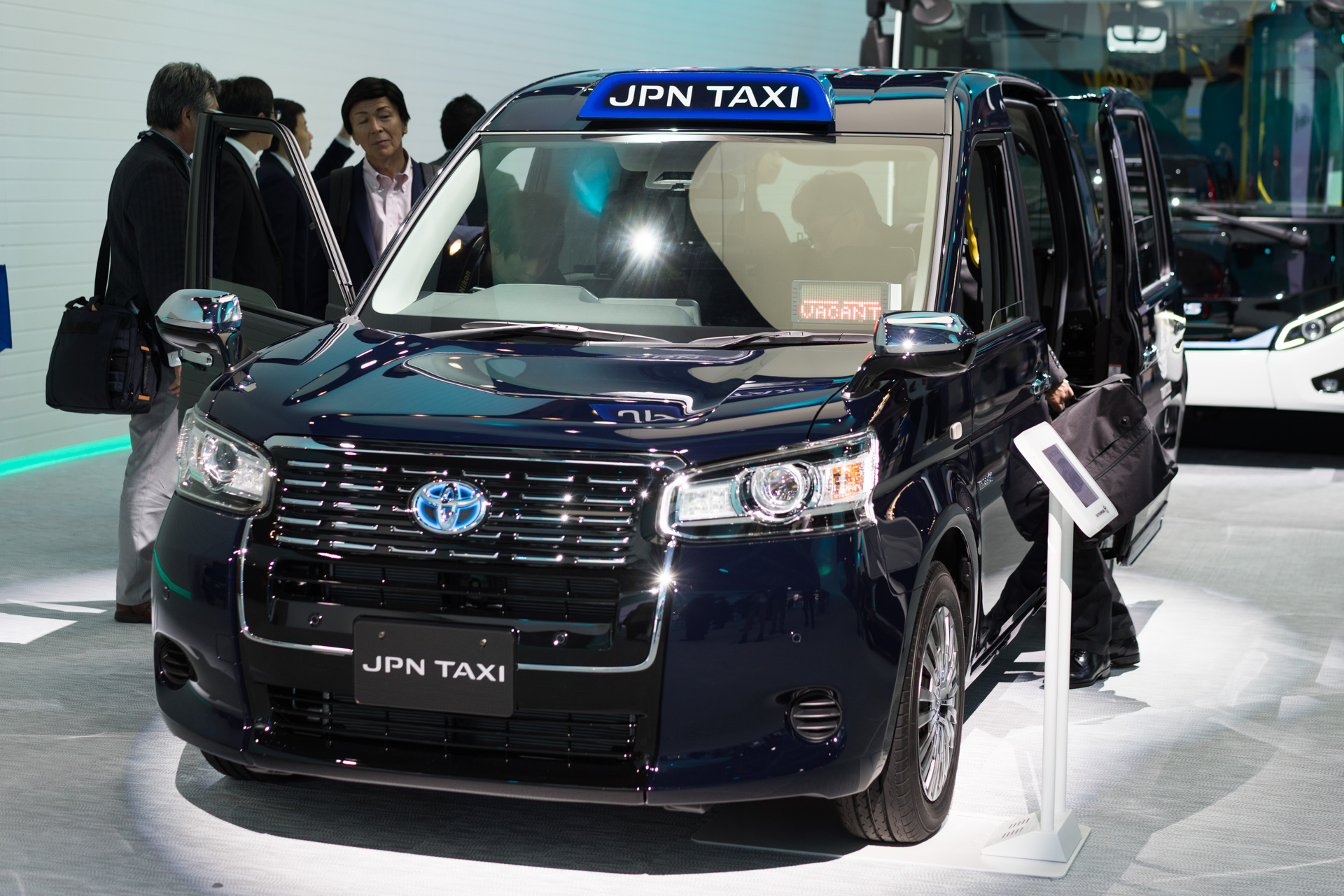 東京モーターショー JPN TAXI SONY α7Ⅱ, Sonnar T* FE 55mm F1.8 ZA SEL55F18Z