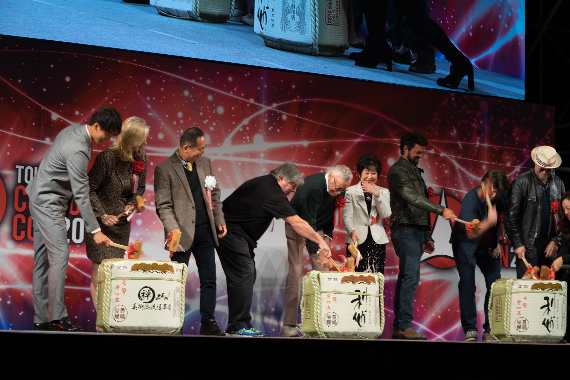 スティーブ・ウォズニアック スタン・リー 鏡開き TOKYO COMIC CON 東京コミコン2017