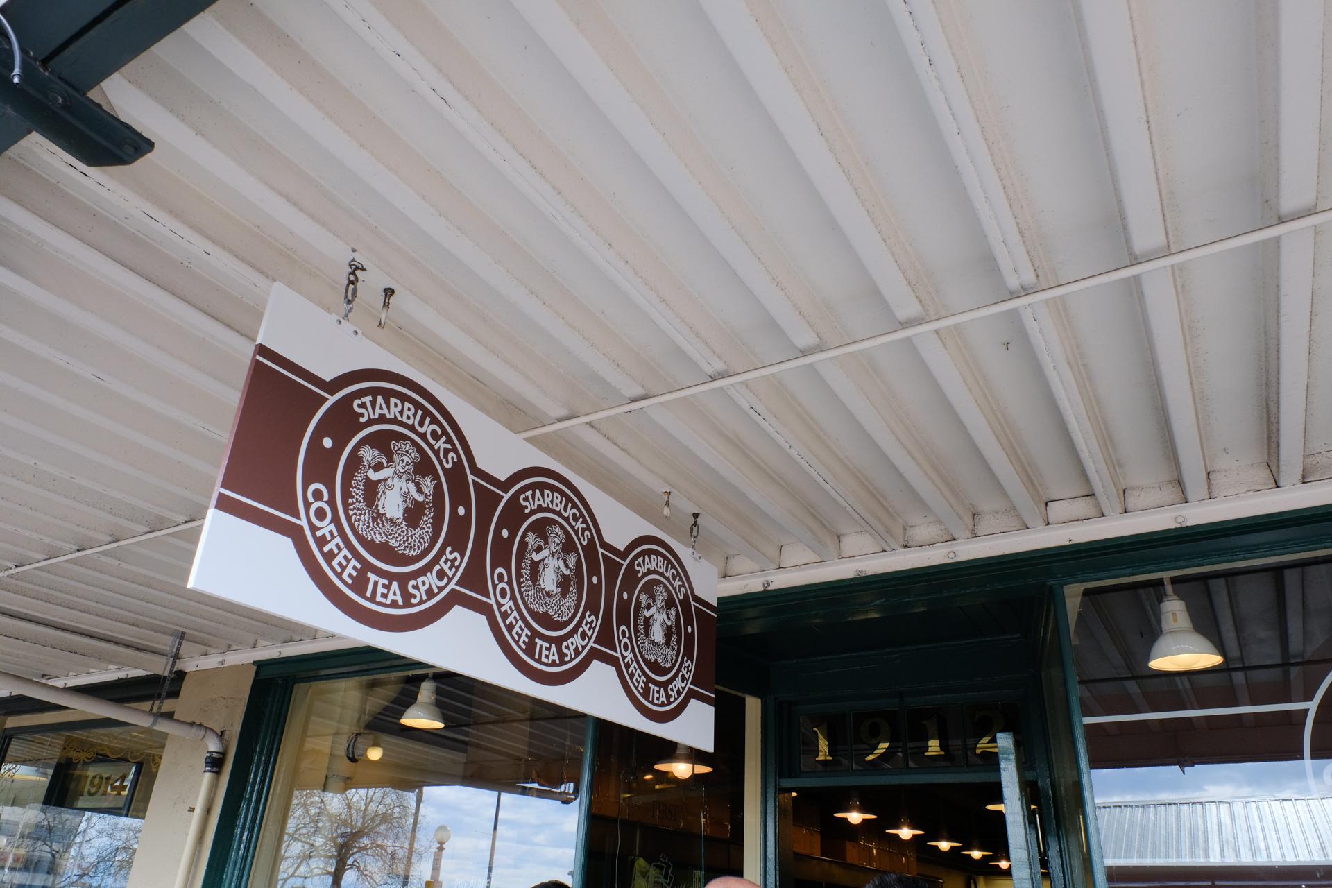 アメリカ シアトル スターバックスコーヒー1号店 富士フイルムX-Pro2 フジノンレンズ XF16-55mmF2.8 R LM WR
