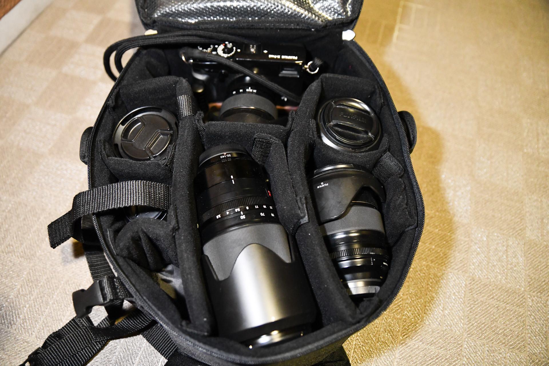 Amazonベーシックカメラバッグレビュー