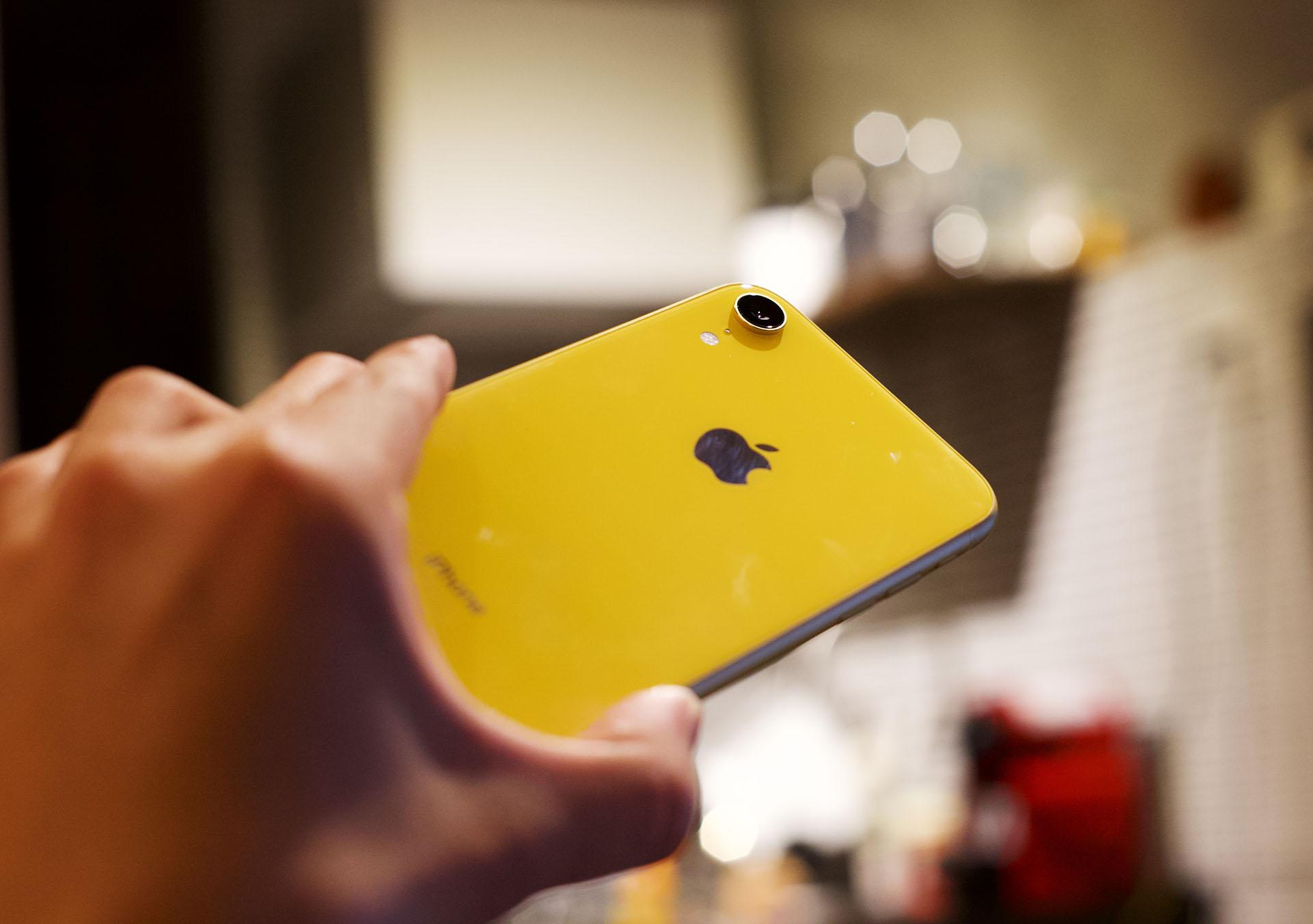 iPhone XR イエロー レビュー 夜景